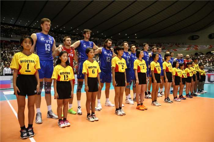 Сборная России по волейболу на тай-брейке обыграла Японию