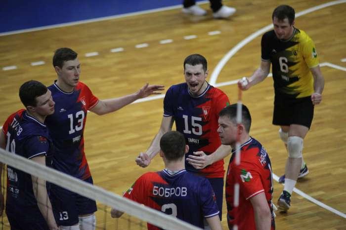 Волейбольный клуб «Университет» поддержал челлендж «Отожмись на шести пальцах»
