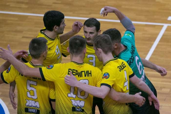«Университет» уступил пермской «Каме» во втором матче Кубка Буробина