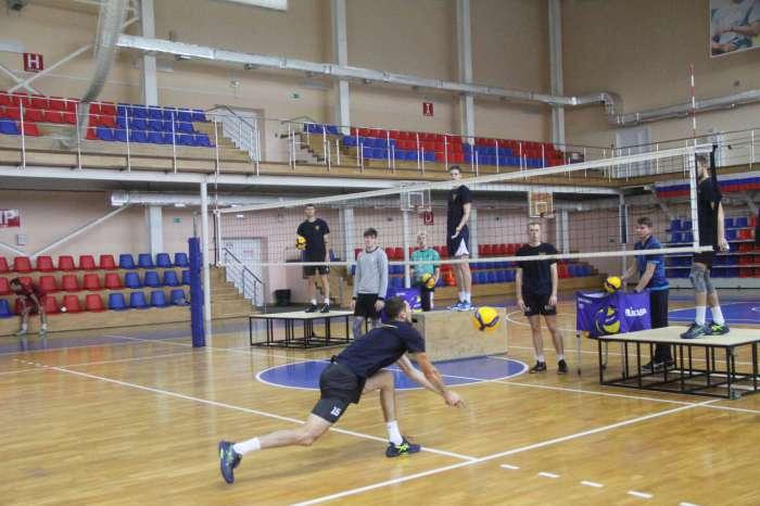 «Вечерний Барнаул»: Настрой — победный. «Университет» завтра отправляется на первый выездной матч нового чемпионата Высшей лиги «А»
