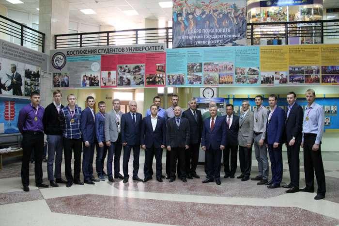 В АлтГУ состоялось чествование мужской волейбольной команды «Университет» – победителя Высшей лиги «Б»
